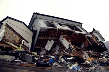 東日本大震災の傷跡.jpg
